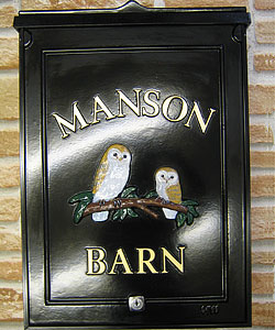 Our customer was delighted with the painting of these two barn owls on this large post box and the gold letters compliment the colours of the owls beautifully.